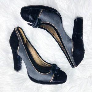 BCBGMAXAZRIA Satin and Velvet Chunky Heels 6 1/2 B
